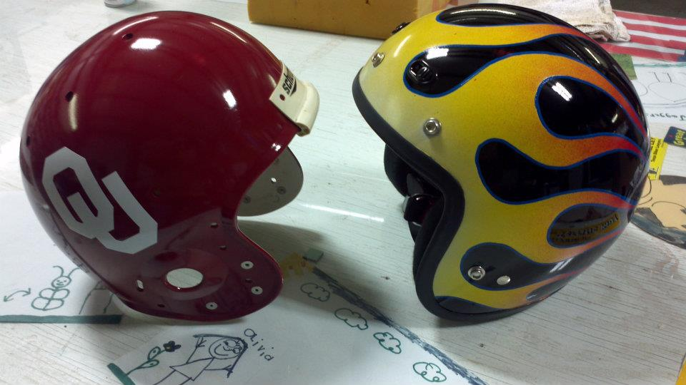 custom-paint-helmets-ou-and-flames